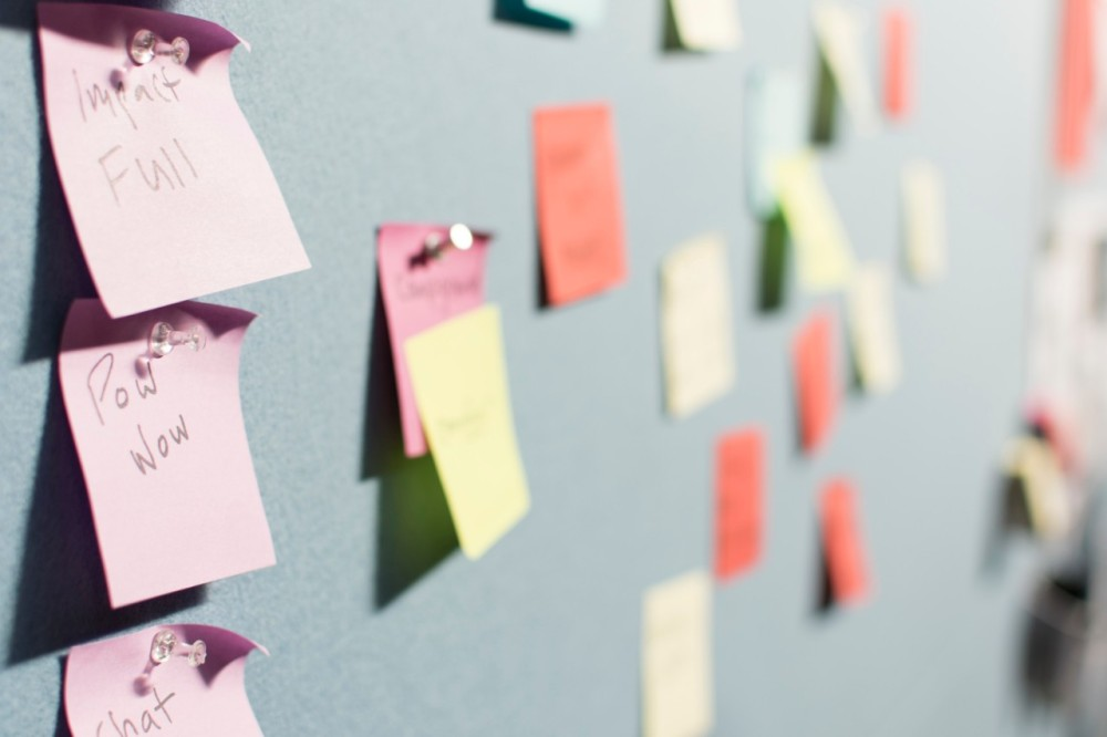 Post-it notes on board, unemployment, employment, work, jobs, job sites, appjobs, recruitment, freelance, freelancer, employee